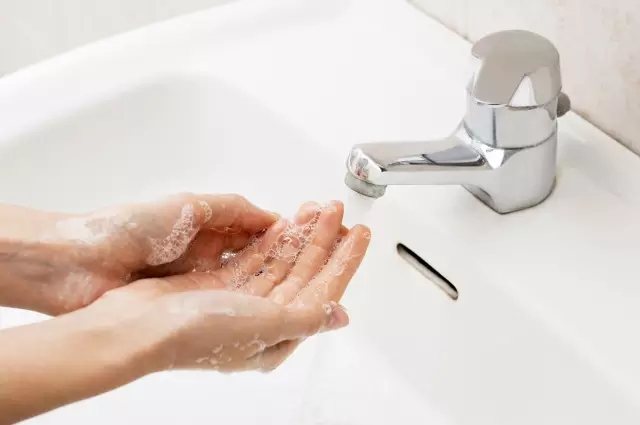 Why You Wash Your Hands With Hand Washing Liquid?